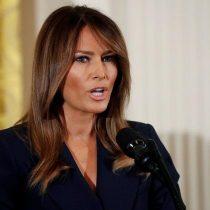 Con elogios a las fuerzas de orden Melania Trump se despide de la Casa Blanca