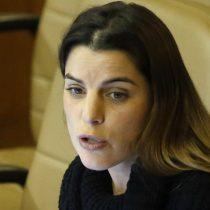 "Florcita Alarcón apunta a bancada feminista por difusión de fotos íntimas: ""No puede seguir siendo parlamentario"", responde diputada Orsini"