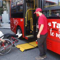 Talca pone en marcha blanca autobuses eléctricos para personas de la tercera edad y en situación de discapacidad