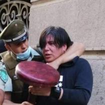 Detienen a Roberto Belmar, fanático de extrema derecha, tras disparar balines a manifestantes en el Paseo Ahumada