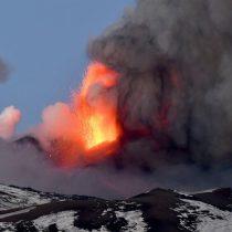 El volcán más activo de Europa: Catania y sus alrededores amanecen cubiertos de ceniza tras erupción del Etna