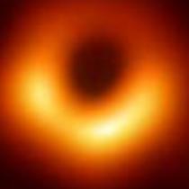 Investigación chilena explica cómo se puede obtener energía de agujeros negros