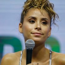 Camila Gallardo pide disculpas por fiesta clandestina en su departamento: