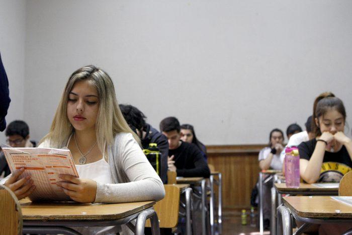 Acortando las brechas de género: en 2021 ingresaron 25.000 mujeres más que hombres en la educación superior