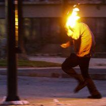 Justicia absuelve a dos jóvenes acusados de portar bombas molotov y robo en lugar no habitado durante el estallido social: estuvieron 15 meses privados de libertad