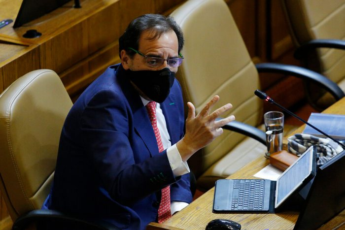 """Mulet defiende el tercer retiro de fondos de AFP y advierte que si el Congreso no hubiera aprobado los anteriores proyectos """"este país estaría en llamas"""""""