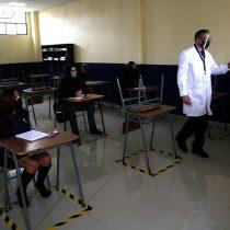 Gobierno confirma queeste lunes se inicia vacunación a profesores y personal de educación