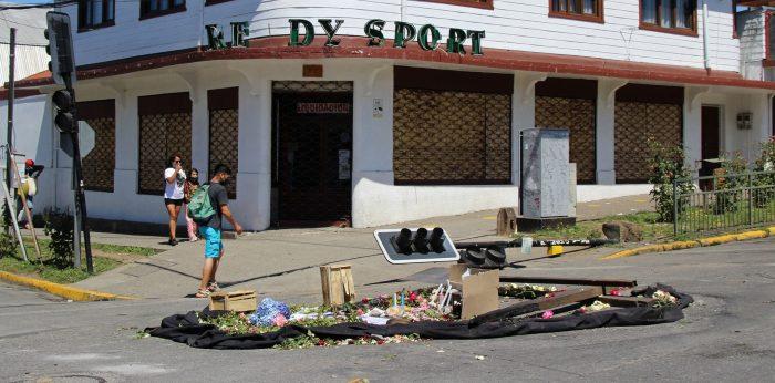 Qué se sabe de Francisco Martínez, el malabarista callejero abatido por unos carabineros en Chile