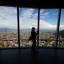 FMI eleva proyección del PIB de Chile pero advierte que la regiónno recuperará el nivel previo a la pandemia hasta 2023