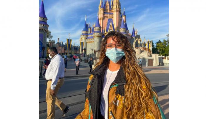 Inician sumario sanitario contra Camila Gallardo y sus invitados:artista estaba en cuarentena obligatoria por viaje al extranjero