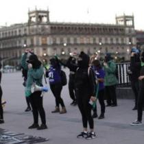 «Un violador en tu camino»: mexicanas entonan himno de Las Tesis para frenar candidatura política apoyada por AMLO