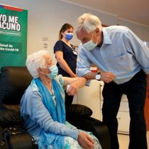 """Desde Futrono, Piñera da el vamos a la campaña de vacunación y recalca que la Sinovac es """"segura y eficaz"""""""