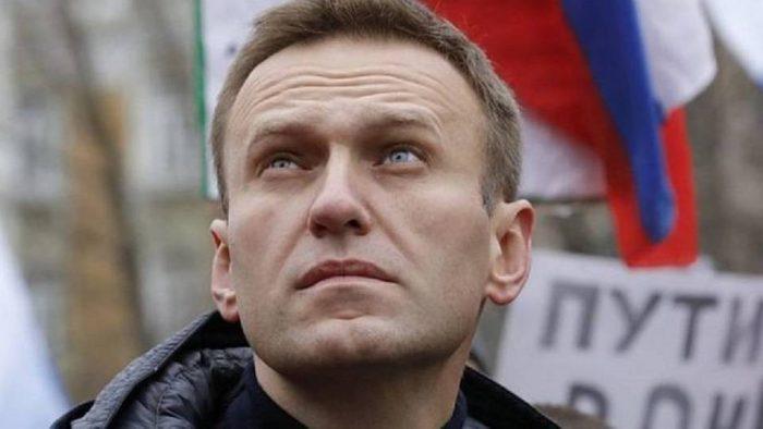 Justicia rusa confirma pena de cárcel para Navalny