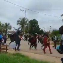 Policía peruana se enfrentó a caravana migratoria de haitianos y africanos en la frontera con Brasil