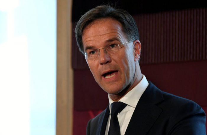 Polémica en Países Bajos por el toque de queda: corte autoriza al Gobierno a mantenerlo al menos hasta el viernes