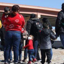 EE.UU. recibe a los primeros migrantes varados en México