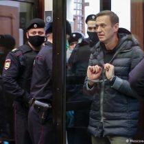 Juicio contra Navalni: al menos 237 detenidos junto a la corte