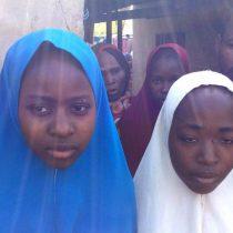 Cientos de niñas fueron raptadas por milicias en Nigeria