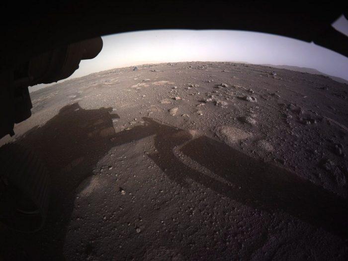 El Perseverance envía las primeras imágenes a color de Marte