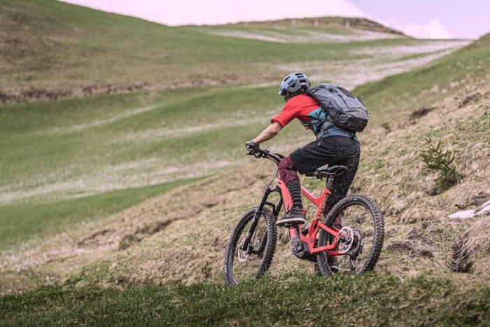 ¿Puede ser una bicicleta eléctrica una buena alternativa para la montaña?