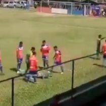 A lo Cóndor Rojas: futbolista de la Tercera División de Guatemala fingió burda agresión que se hizo viral