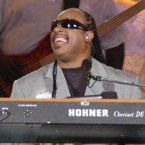 Crisis política en EE.UU. impulsa a Stevie Wonder a cambiar su residencia permanente a Ghana
