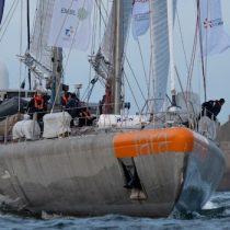 El velero científico TARA zarpa de Francia para investigar el microbioma marino en la costa de Chile