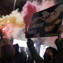 """""""Nuestros estimados pacifistas"""": influencer hace una parodia de la violencia por encarcelamiento de rapero Pablo Hasél"""