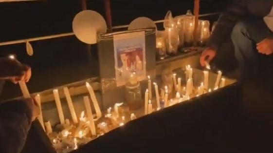 Cerca de 100 personas realizaron velatón donde fue visto por última vez el pequeño Tomás