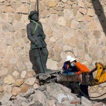 Retiran la última estatua del dictador Francisco Franco que quedaba en pie en España