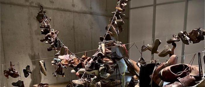 """""""Dispositivos marginales"""": instalación artística visibiliza las limitaciones de un sistema que genera exclusión social"""