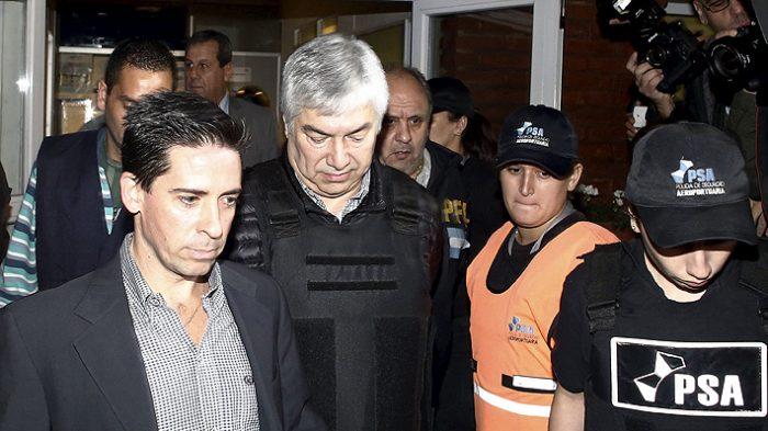 Argentina: Lázaro Báez condenado a 12 años por
