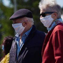 Adultos mayores sufren más heridas cutáneas por el uso de mascarillas en verano