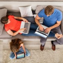 Dispositivos inteligentes y la brecha tecnológica de padres e hijos