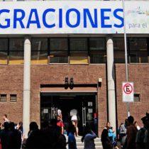 """Expulsiones migrantes: informe detecta que 10 mil personas viven como """"expulsados residentes"""""""