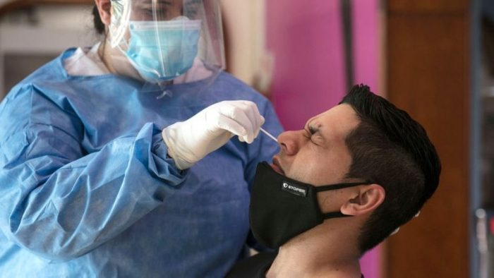 Coronavirus: ¿puedo infectarme con dos variantes a la vez?