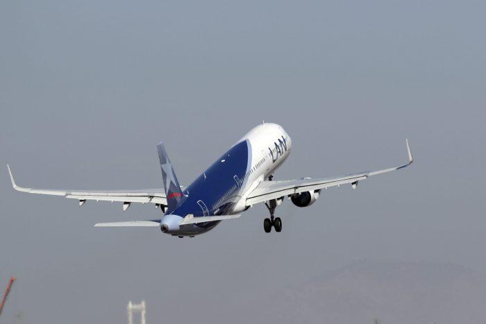 Proyecto de ley que permite endosar los pasajes aéreos avanza en el Congreso y queda lista para ser votada en sala