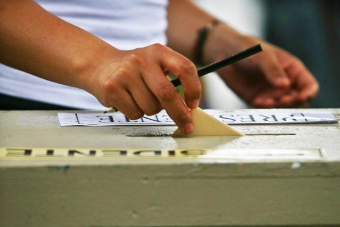 Congreso aprobó la realización de las elecciones de abril en dos días