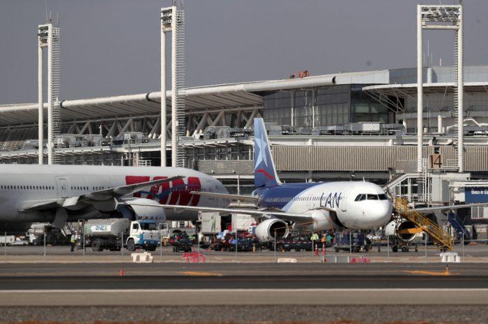 Funcionarios de aeronáutica civil piden cerrar aeropuerto ante alza de casos Covid-19: