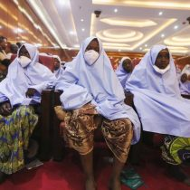 Liberan a alumnas secuestradas en colegio de Nigeria
