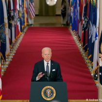 Biden prevé administrar 100 millones de vacunas para el 21 de marzo