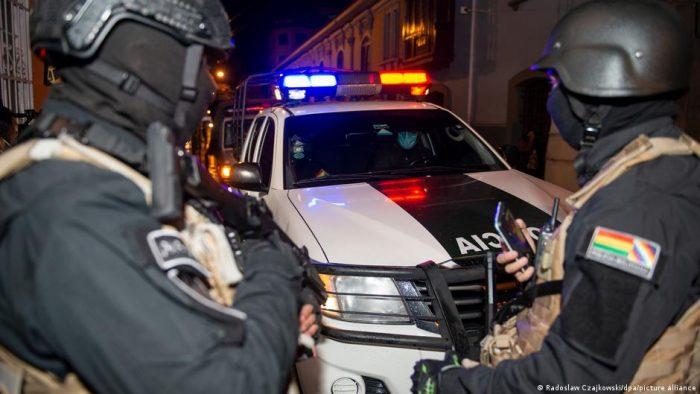 Dictan cuatro meses de prisión preventiva a expresidenta Áñez