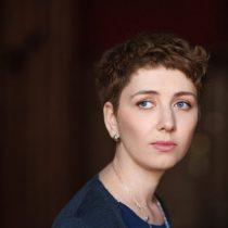 """Libro """"Tienes que mirar"""" de Anna Starobinets rompe el tabú del aborto tardío por razones médicas"""