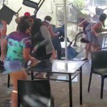 Turba atacó carro policial en un hecho aislado a la marcha pacífica del 8M