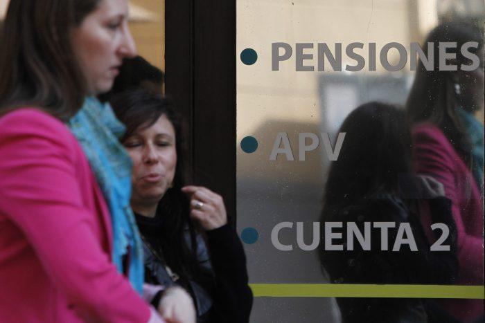Comisión de Trabajo retoma discusión de reforma previsional y oposición persiste en una Pensión Básica Universal