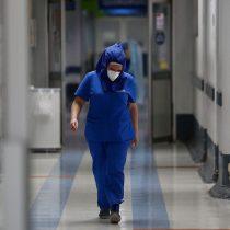 Amnistía Internacional: al menos 17 mil profesionales de salud han fallecido por Covid-19 en el último año