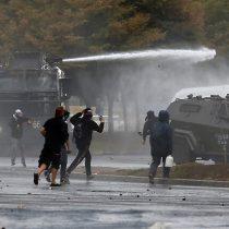Marzo comienza con protestas: decenas de manifestantes llegan a Plaza Italia