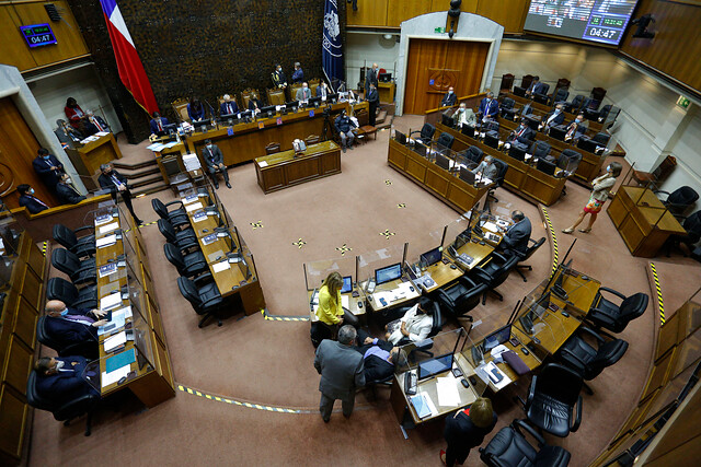Pese a duras quejas de la oposición, La Moneda sortea valla del Senado y consigue extender por tres meses Estado de Excepción