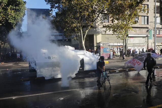 Plaza Baquedano sin Baquedano: Carabineros aplica copamiento ante manifestaciones