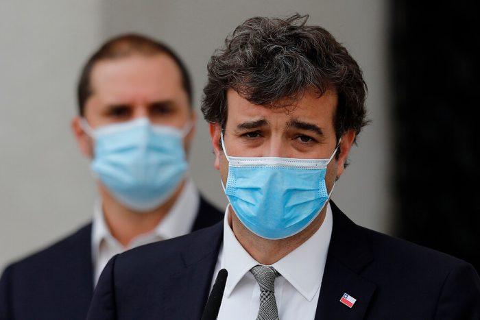 """El desorden del Gobierno con la postergación de elecciones: Paris admite que """"no hay sistema de ayuda social robusto"""" y Bellolio acusa """"chantaje"""" de la oposición"""